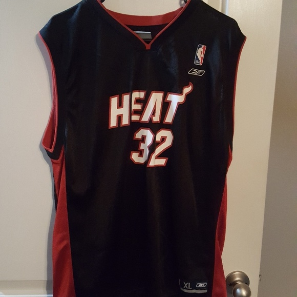 2fa925c2f5ce how big is a youth xl nba jersey
